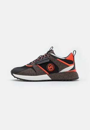 THEO - Trainers - black/brown