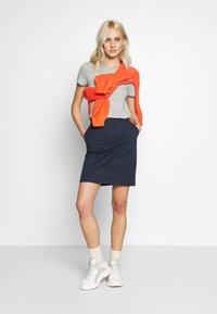 GANT - CLASSIC CHINO SKIRT - Pencil skirt - marine - 1