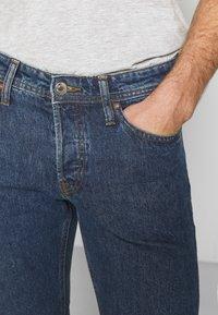 Jack & Jones - JJIMIKE JJORIGINAL - Slim fit jeans - blue denim - 4