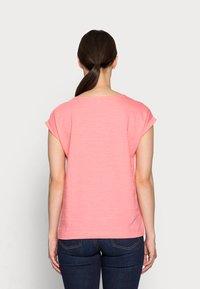 Esprit - TEE - Basic T-shirt - coral - 2
