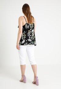 Zizzi - EMILY - Denim shorts - bright white - 3