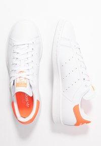 adidas Originals - STAN SMITH - Trainers - footwear white/solar orange - 3