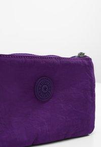 Kipling - CREATIVITY L - Trousse - future purple - 5