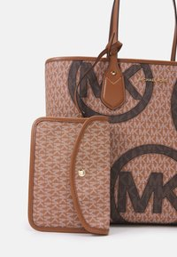 MICHAEL Michael Kors - EVA LARGE TOTE SET - Tote bag - multi - 4