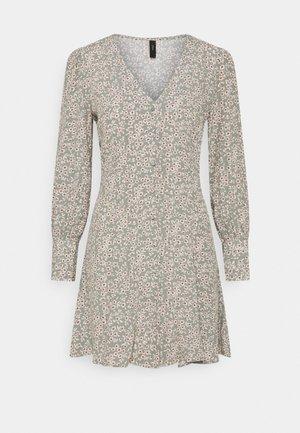 YASLICURA DRESS - Robe chemise - shadow/licura
