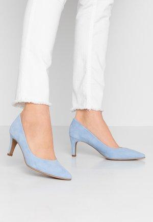 BENETT - Klassiske pumps - baby blue