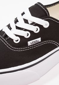 Vans - AUTHENTIC PLATFORM 2.0 - Sneaker low - black - 2