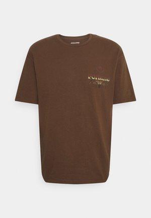 JORENTRANCE TEE CREW NECK - T-shirt print - bison