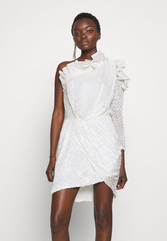 HUSPEL - Cocktail dress / Party dress - white