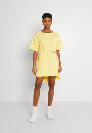 BELTED UTILITY DRESS - Day dress - saturn gold