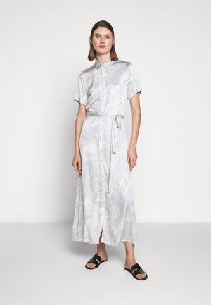 GARDEN DRESS - Košilové šaty - sky