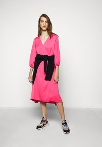 Escada Sport - DAISEN - Vapaa-ajan mekko - pink myrtle - 1