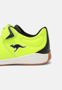 KangaROOS - K5-COMB EV - Sneaker low - neon yellow/jet black - 6