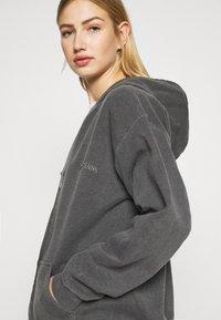 BDG Urban Outfitters - ZIP UP HOODIE - Hoodie - charcoal - 3