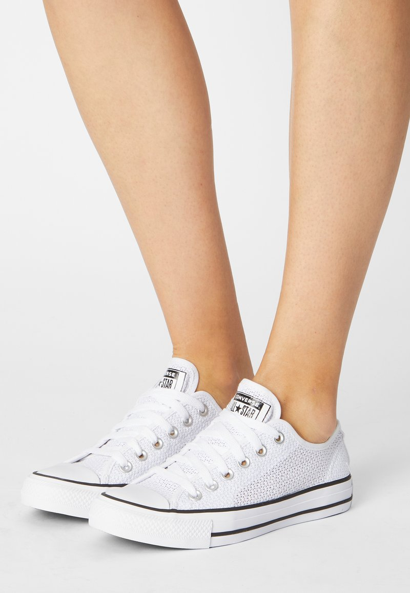 Converse - CHUCK TAYLOR ALL STAR CROCHET PLAY - Trainers - white/black