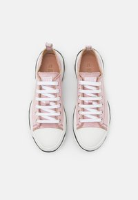 Red V - Trainers - rose baby/bianco/nero - 4
