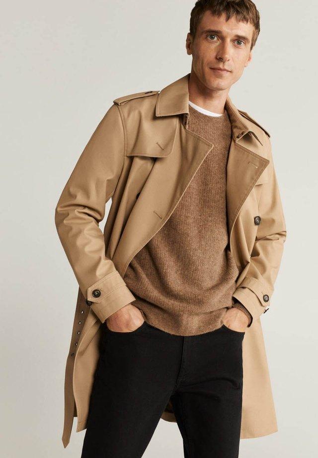 TANGO - Trenchcoats - marrón medio