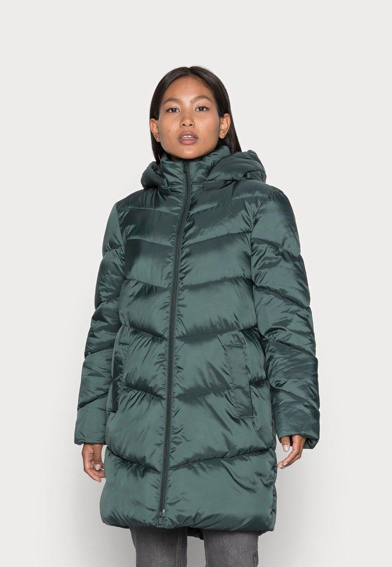 VILA PETITE - VIADAYA JACKET - Winter coat - darkest spruce