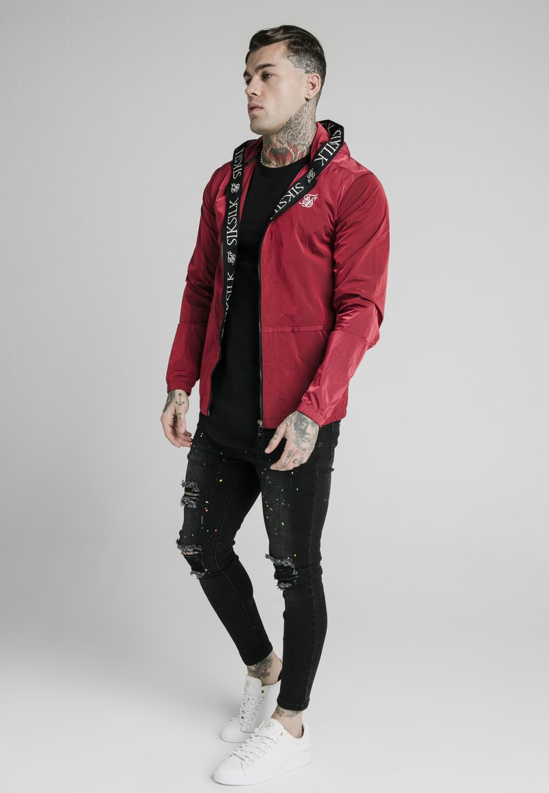 SIKSILK - ZIP THROUGH WINDBREAKER JACKET - Giacca leggera - red