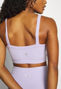 Cotton On Body - TEXTURED CROP - Light support sports bra - lilac dream - 4