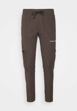 NAAPOLLOB - Cargo trousers - chocolate brown