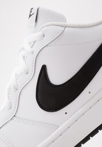 Nike Sportswear - COURT BOROUGH 2  - Sneakers basse - white/black - 5