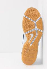 Nike Performance - AIR MAX ALPHA TRAINER 2 - Sports shoes - football grey/black/mystic navy - 4