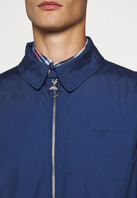 Barbour - ESSENTIAL CASUAL - Summer jacket - north sea blue - 6