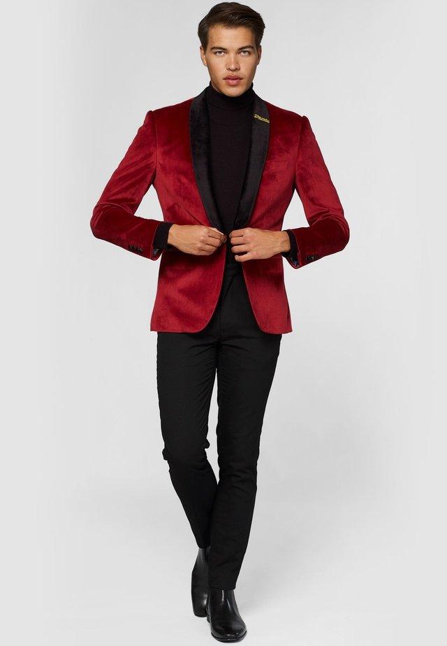 Colbert - red