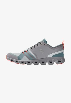 Trainers - alloy red