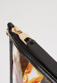 Versace Jeans Couture - TRANSPARENT MED POUCH STRAP - Clutch - multicolour - 2