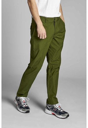 AKJOHN WORKER - Cargo trousers - vineyard green