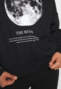 Even&Odd - Printed Oversized Sweatshirt - Sweatshirt - black - 5