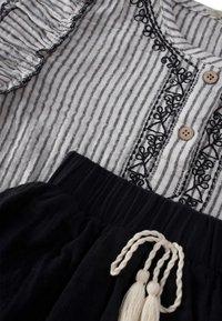 Cigit - SET - Pleated skirt - stone - 2