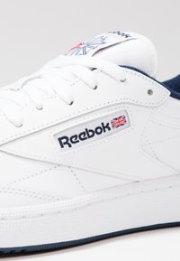 Reebok Classic - CLUB C 85 LEATHER UPPER SHOES - Trainers - white/navy - 5