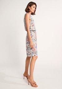comma - Day dress - make up paisley - 1