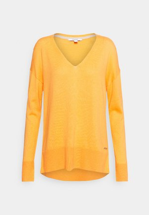 VNECK  - Strikkegenser - golden orange