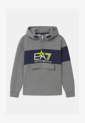 EA7 - Mikina skapucí - medium grey melange