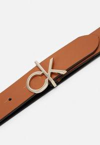 Calvin Klein - LOGO BELT - Pásek - brown - 3