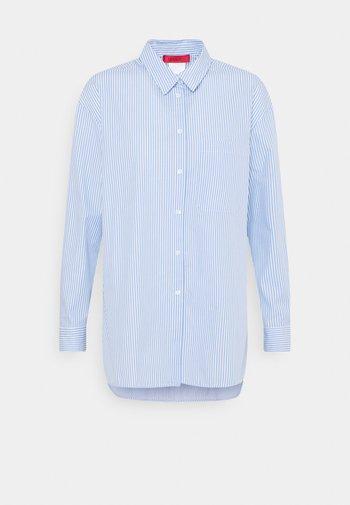 BARI - Button-down blouse - light blue
