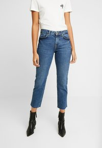 Pieces - PCHOLLY STRAIGHT  - Jeans Straight Leg - blue denim - 0