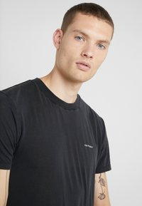Iro - ETON - Basic T-shirt - black - 3