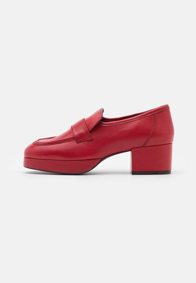 FELIX HEELED - Plateaupumps - red