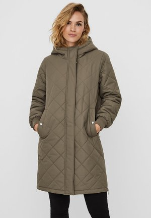 Winter coat - bungee cord