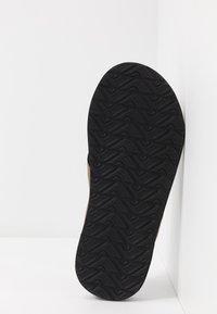 Reef - CUSHION BOUNCE PHANTOM - T-bar sandals - brown/tan - 4