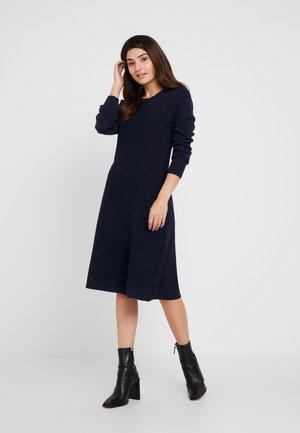 VMNANCY DRESS - Pletené šaty - night sky