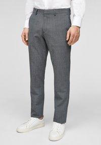 s.Oliver BLACK LABEL - Pantaloni eleganti - dark blue check - 3