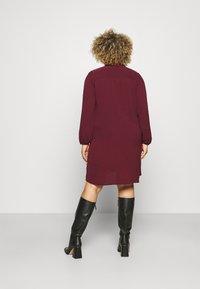 Vero Moda Curve - VMSAGA PLEAT SHORT DRESS  - Shirt dress - port royale - 2