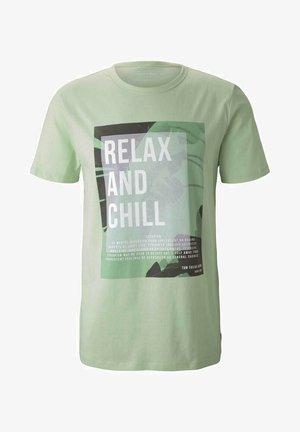 T-shirts print - smooth green