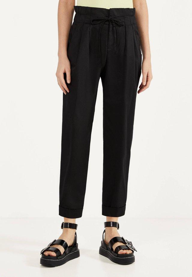 PAPERBAG - Pantalon classique - black